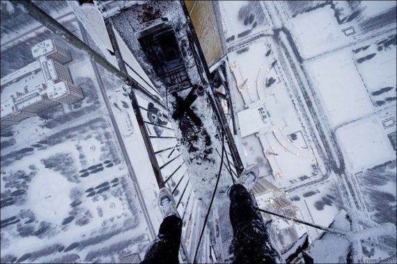 adrenaline_junkies_who_live_life_on_the_edge